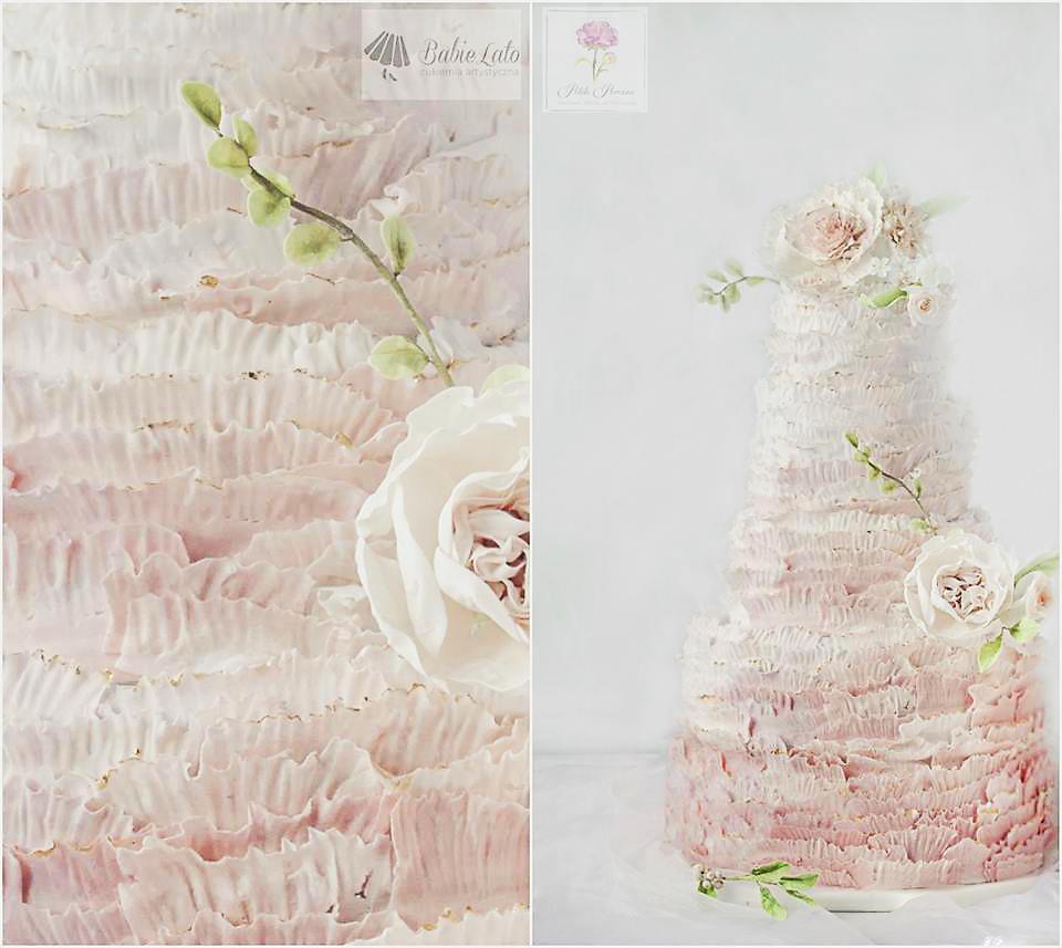 Różowy tort falbanki i kwiaty