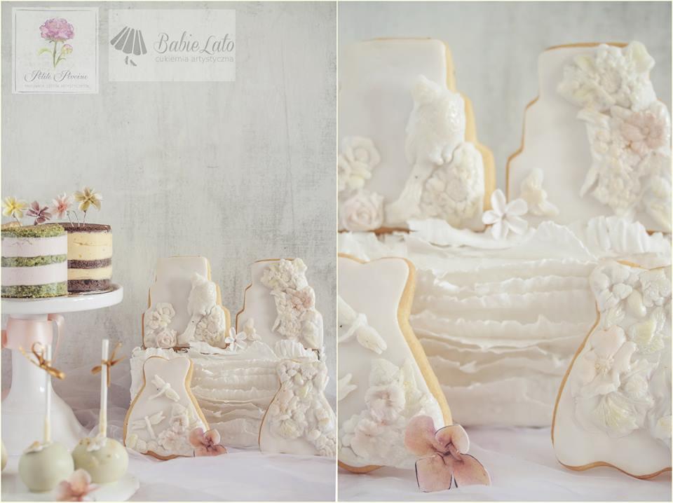 Tort weselny biały z falbankami