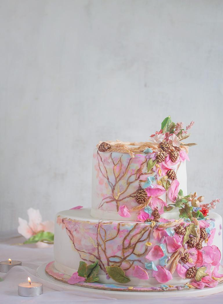 Tort z kwiatami różowymi