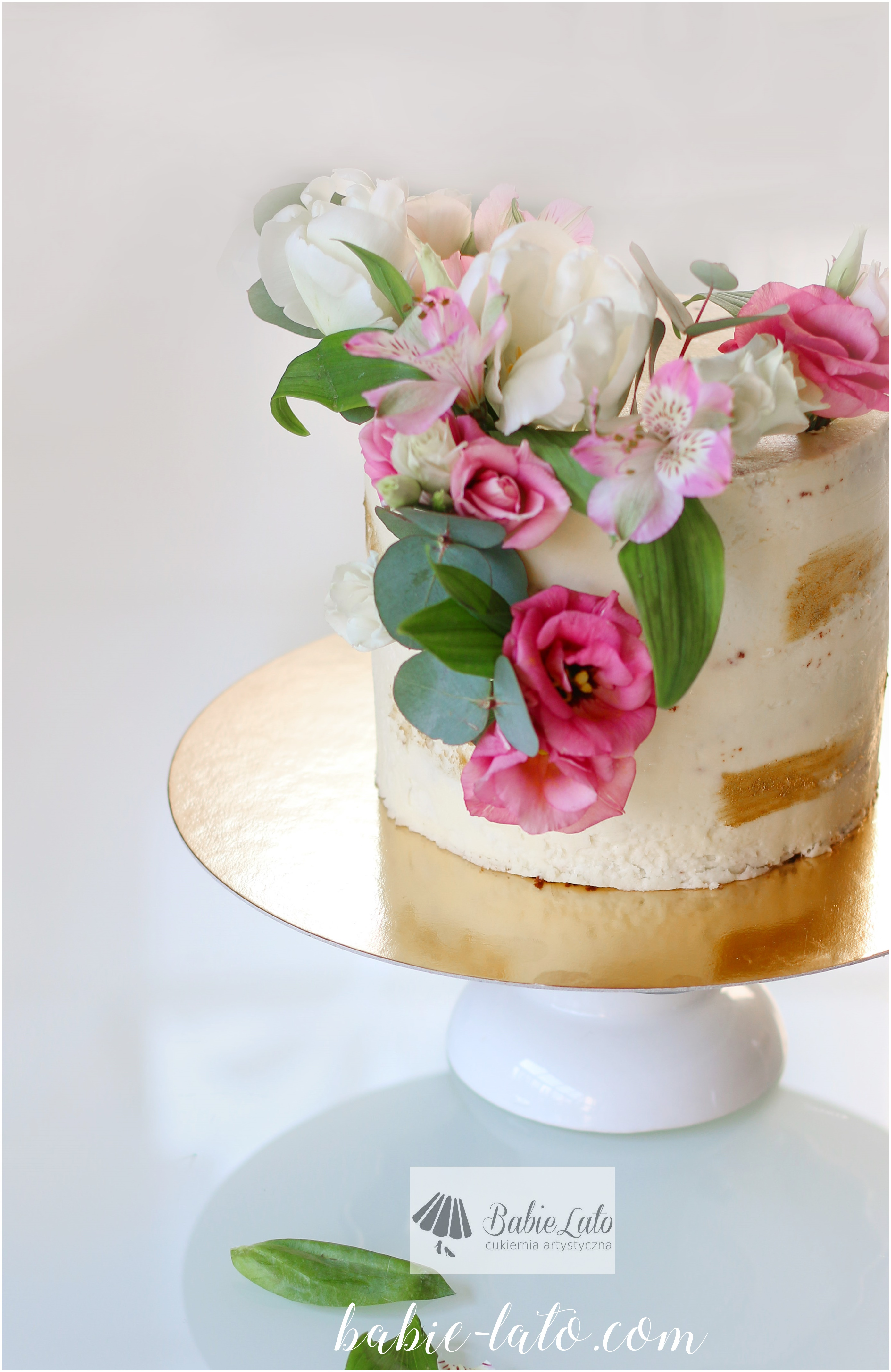 Tort z kwiatami na urodziny